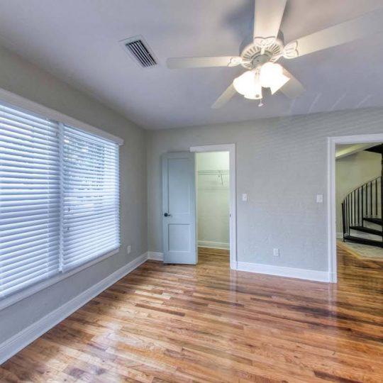 703 House Image 5